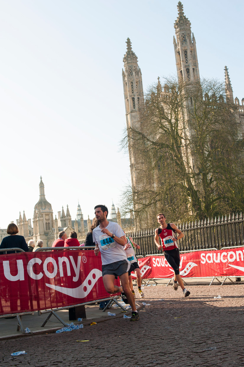 hjorthmedh-Cambridge-half-marathon-2014-passing-kings-2