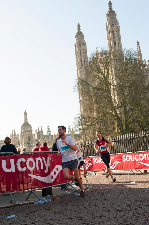 hjorthmedh-Cambridge-half-marathon-2014-passing-kings-2