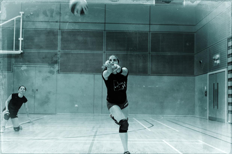 hjorthmedh-volleyball-practice-christiana