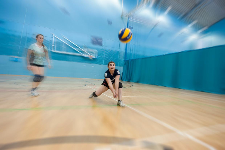 hjorthmedh-volleyball-practice-dashing