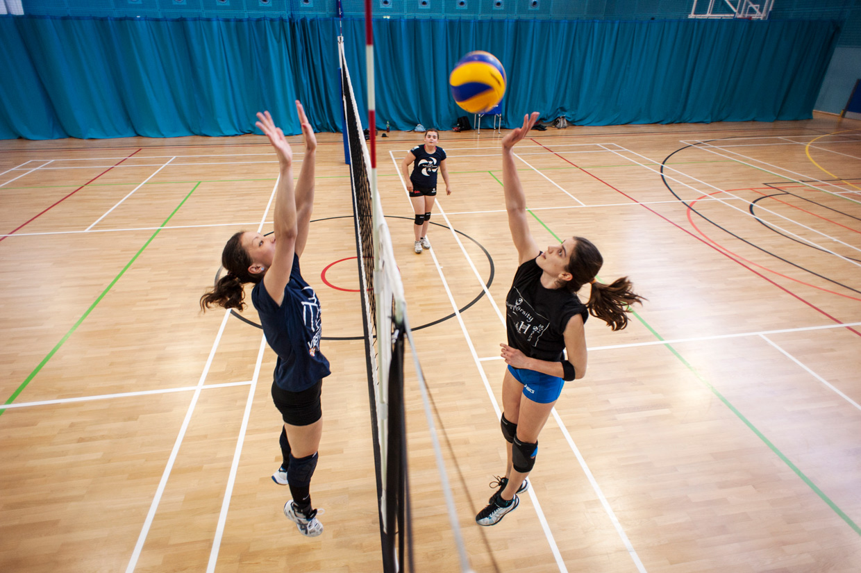 hjorthmedh-volleyball-practice-netduel