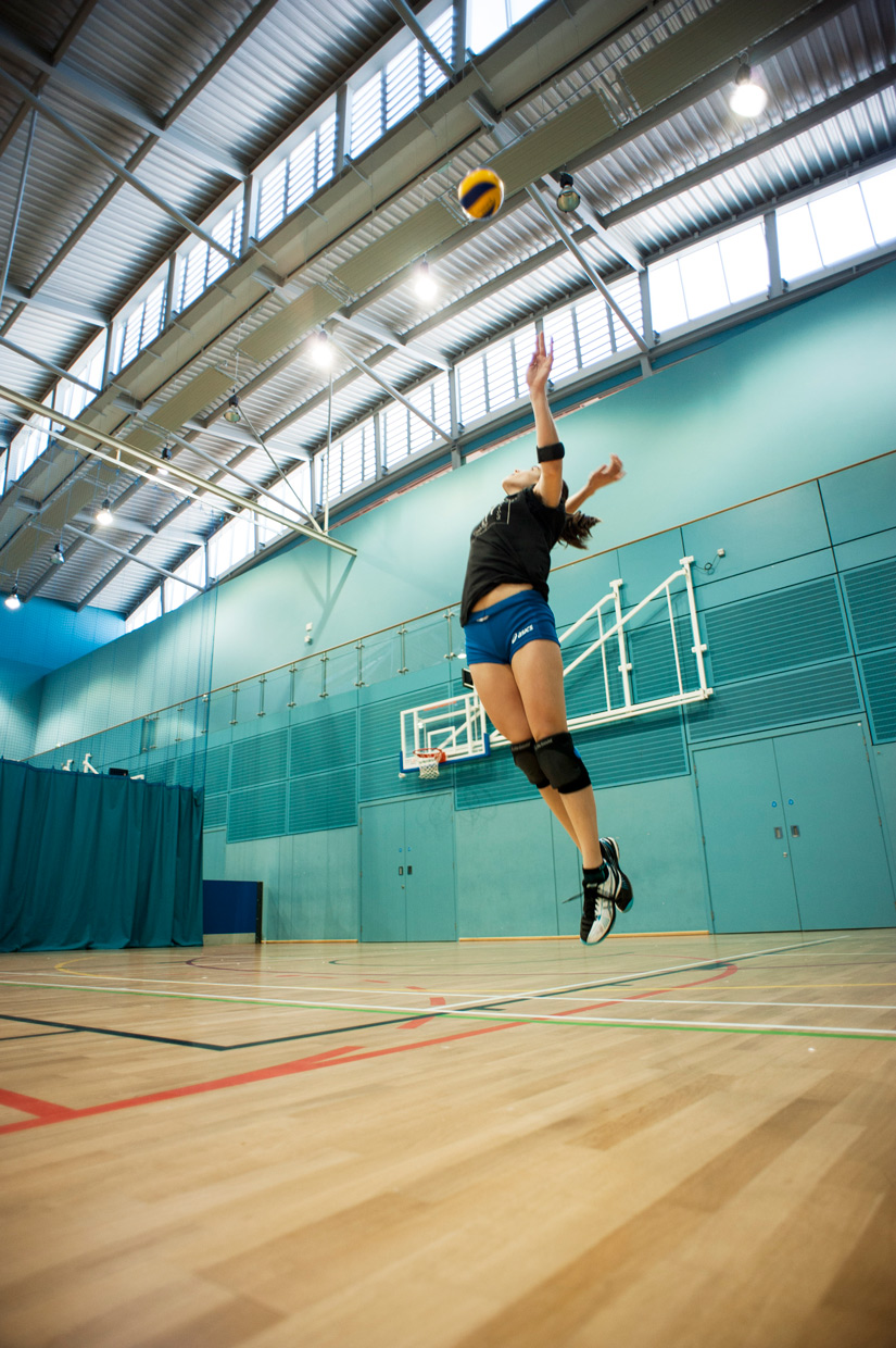hjorthmedh-volleyball-practice-serving