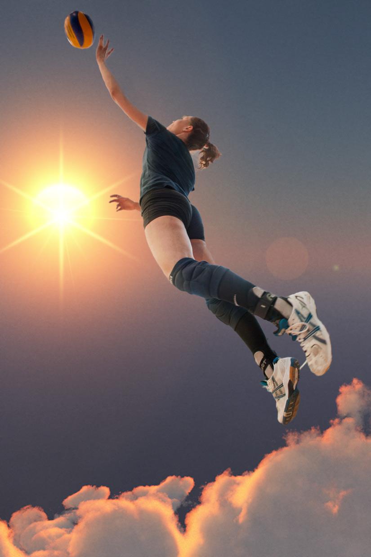 hjorthmedh-volleyball-practice-sky