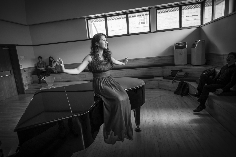 hjorthmedh-CUMS-portrait-piano-3