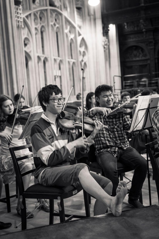 hjorthmedh-may-week-concert-feet