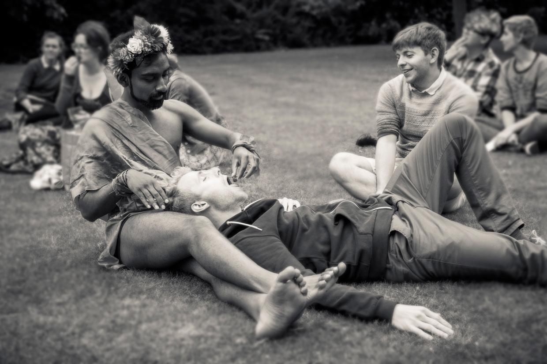 hjorthmedh-saturnalia-feeding