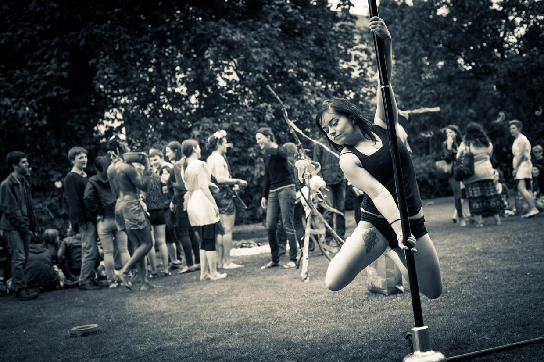 hjorthmedh-saturnalia-pole-dancing