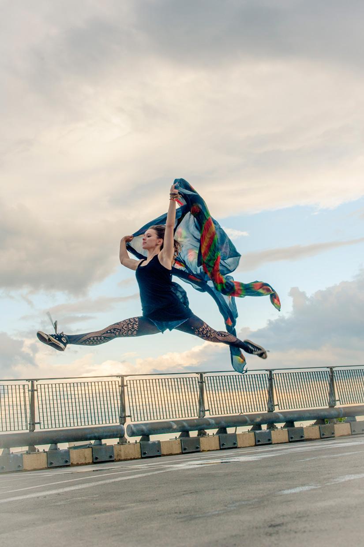 hjorthmedh-urban-ballet-cloth-jump