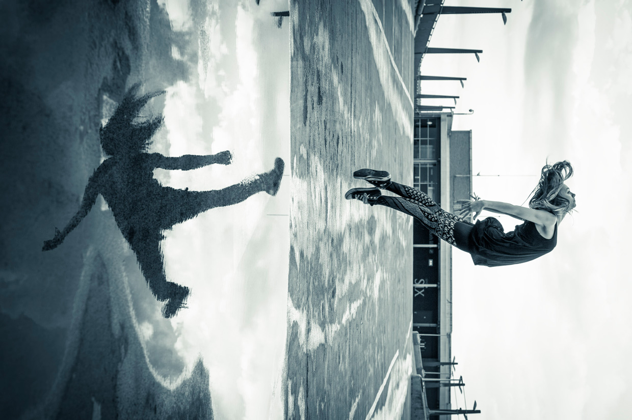 hjorthmedh-urban-ballet-kicking-reflection