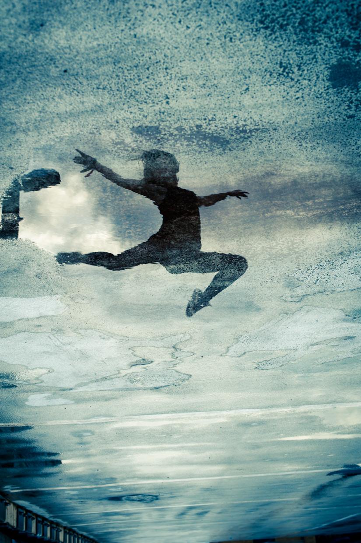 hjorthmedh-urban-ballet-reflection-jump