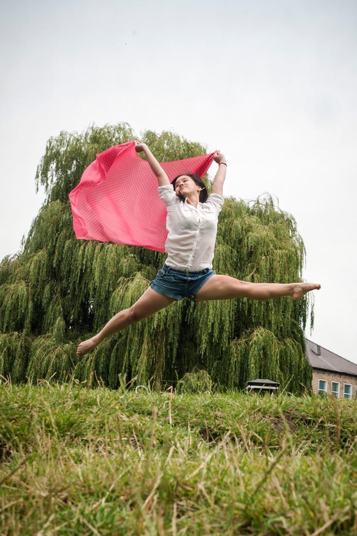 hjorthmedh-levitation-workshop-jumping