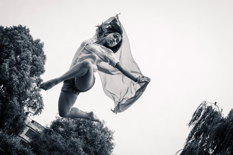 hjorthmedh-levitation-workshop-low-angle