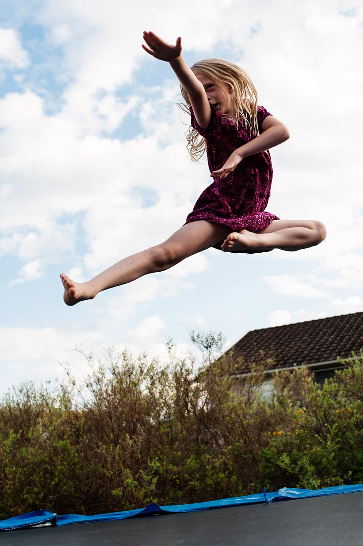 hjorthmedh-smaland-2014-karate-jumping