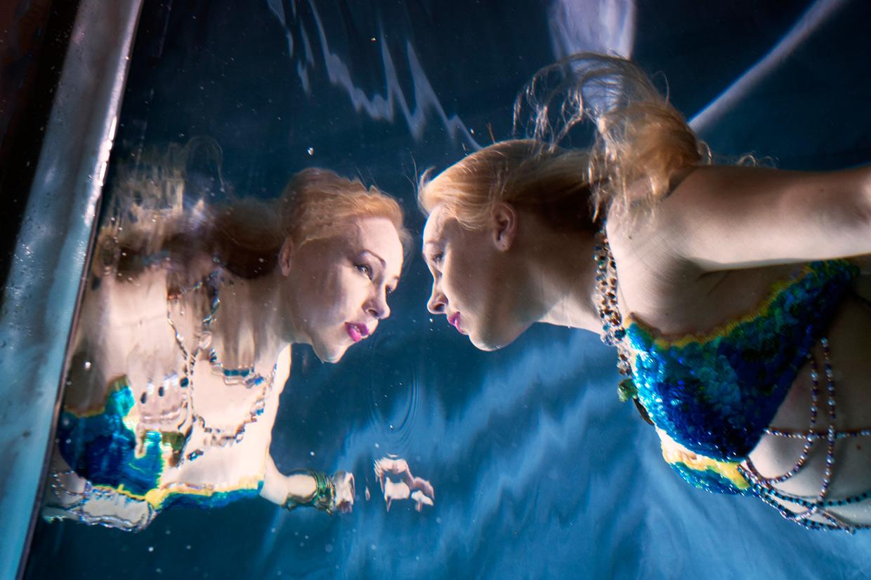 hjorthmedh-merlesque-francesca-dubery-reflection