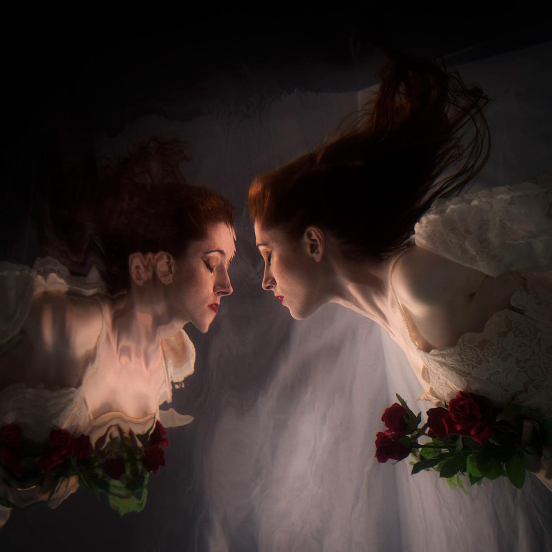 hjorthmedh-merlesque-mairead-kelly-bw-reflection