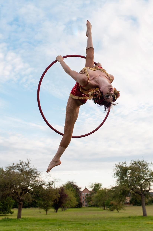 hjorthmedh-neon-moon-summer-circus-daisy
