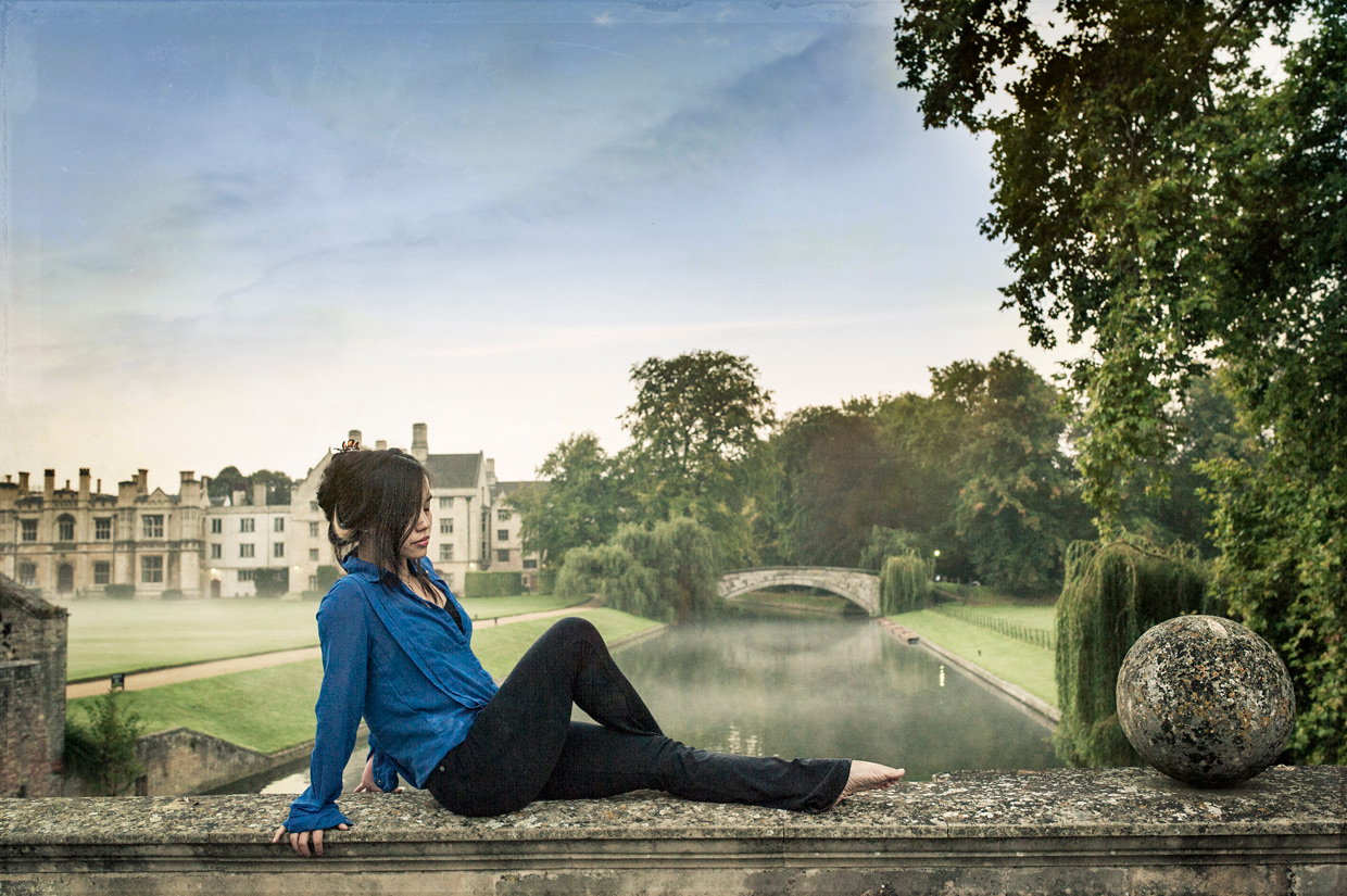 hjorthmedh-morning-ballet-clare-college-bridge-sitting