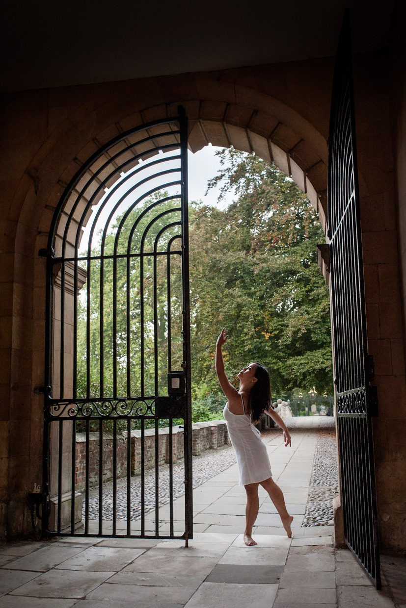 hjorthmedh-morning-ballet-clare-college-full-gate