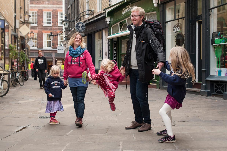 hjorthmedh-cambridge-family-fun-family-portrait