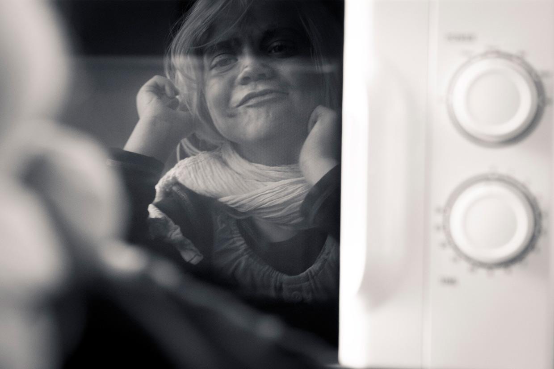 hjorthmedh-cambridge-family-fun-micro-wave-mirror