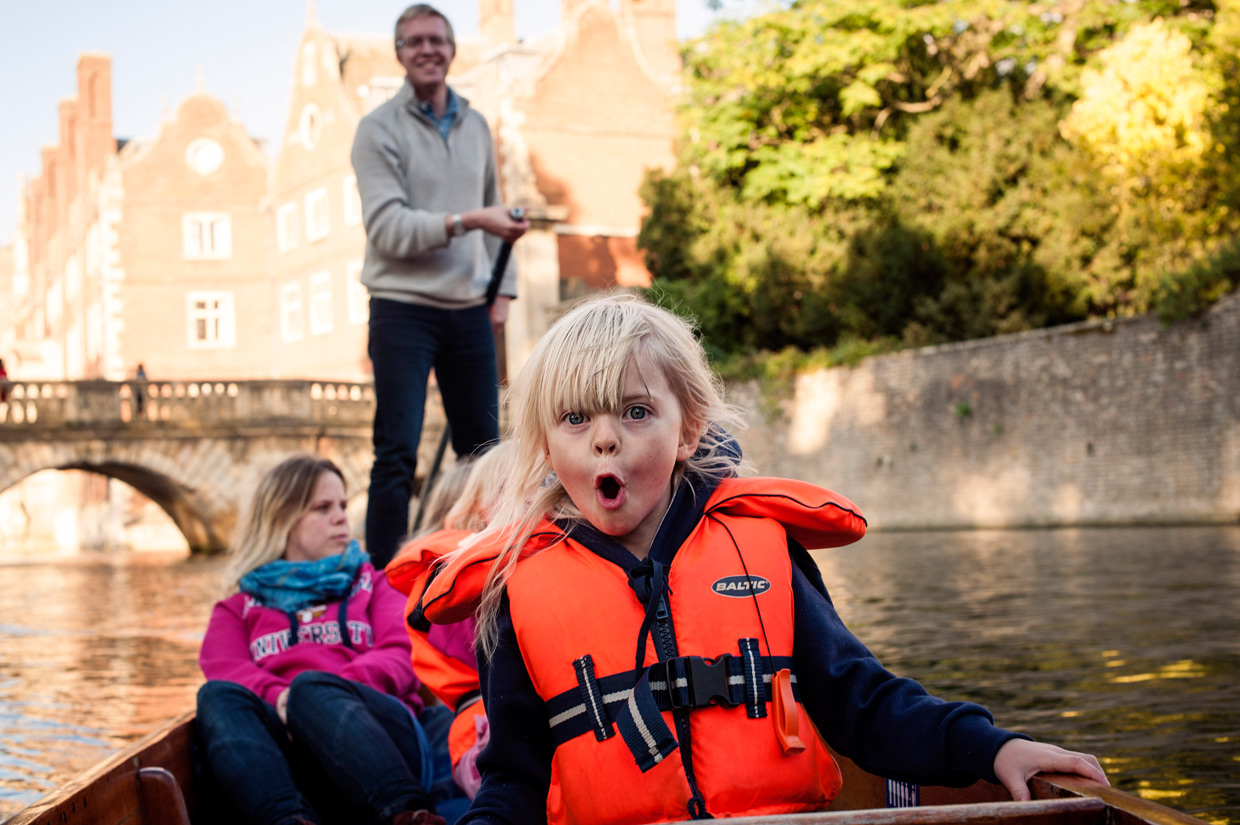 hjorthmedh-cambridge-family-fun-punting-1