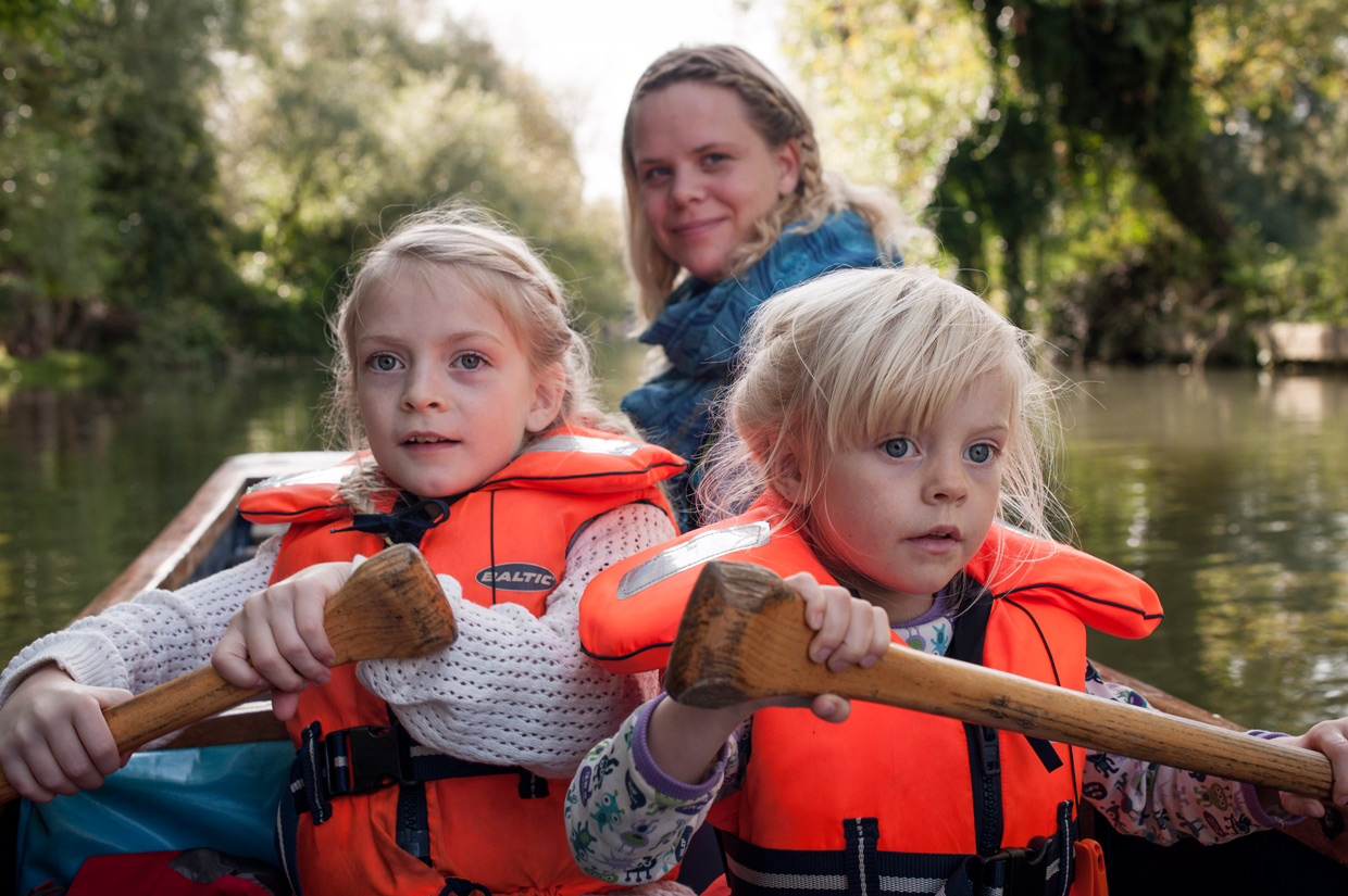hjorthmedh-cambridge-family-fun-punting-to-grantchester