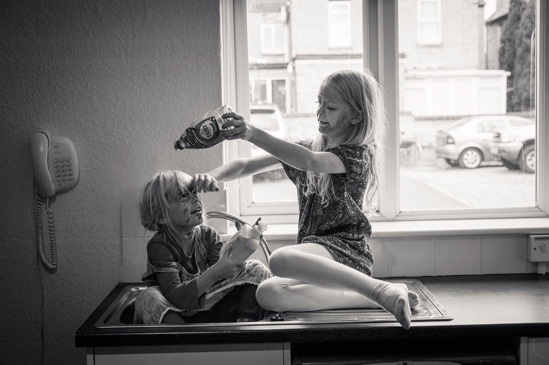 hjorthmedh-cambridge-family-fun-washing-up
