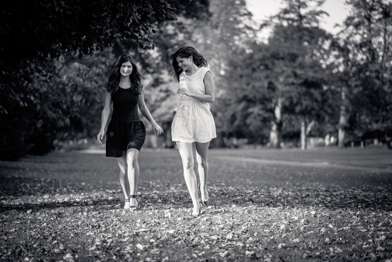 hjorthmedh-twins-running