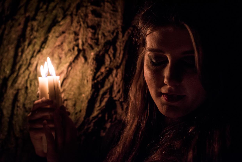 hjorthmedh-demelza-tree-candle-lit-face