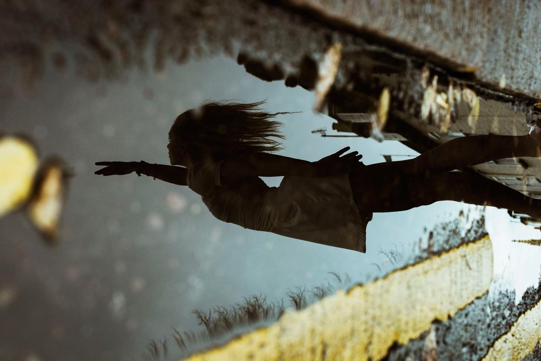 hjorthmedh-joanna-talcing-puddle-1