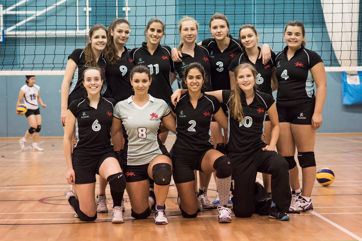 hjorthmedh-volleyball-cambridge-team