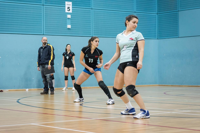 hjorthmedh-volleyball-cambridge-watching