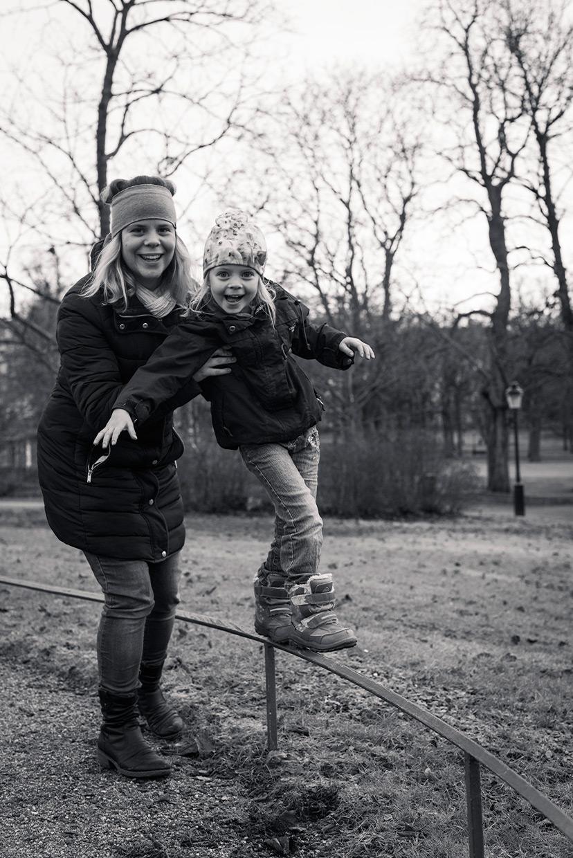 hjorthmedh-christmas-2014-balance
