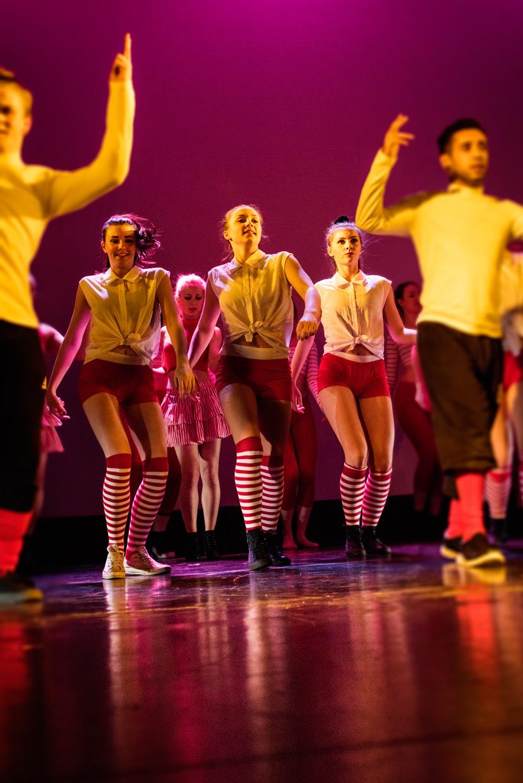 hjorthmedh-adc-evolution-tech-rehearsal-pink