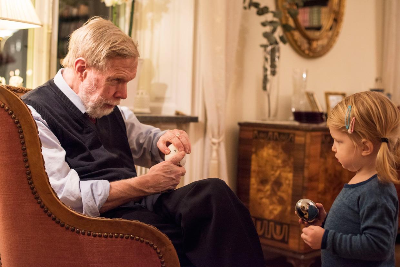 hjorthmedh-glimpse-2-years-grandpa