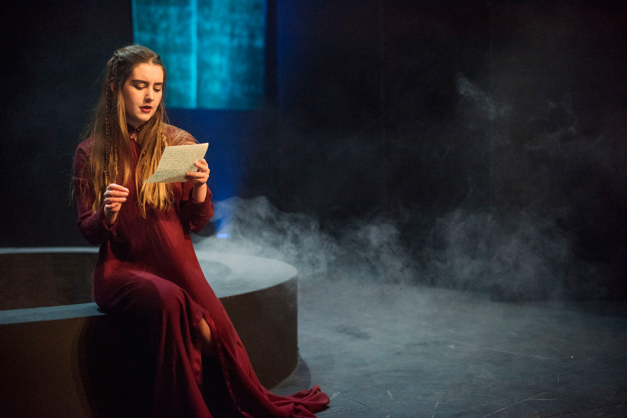 "lady macbeths point of view Lady macbeth is shakespeare's sister (must read) ""something wicked this way comes"" a feminist perspective on shakespeare's macbeth."