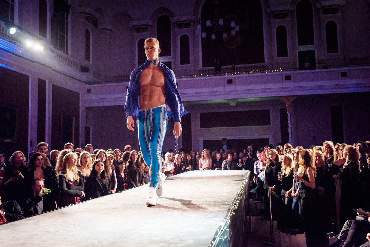 hjorthmedh-cambridge-university-fashion-show-11