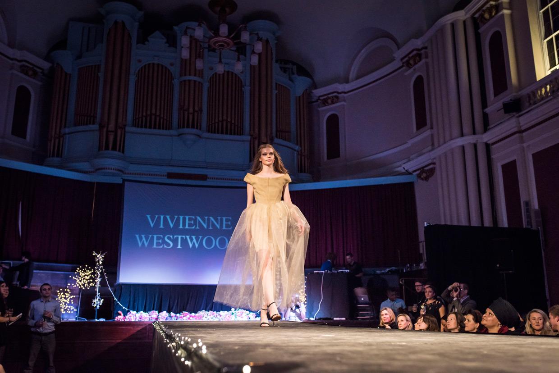 hjorthmedh-cambridge-university-fashion-show-13