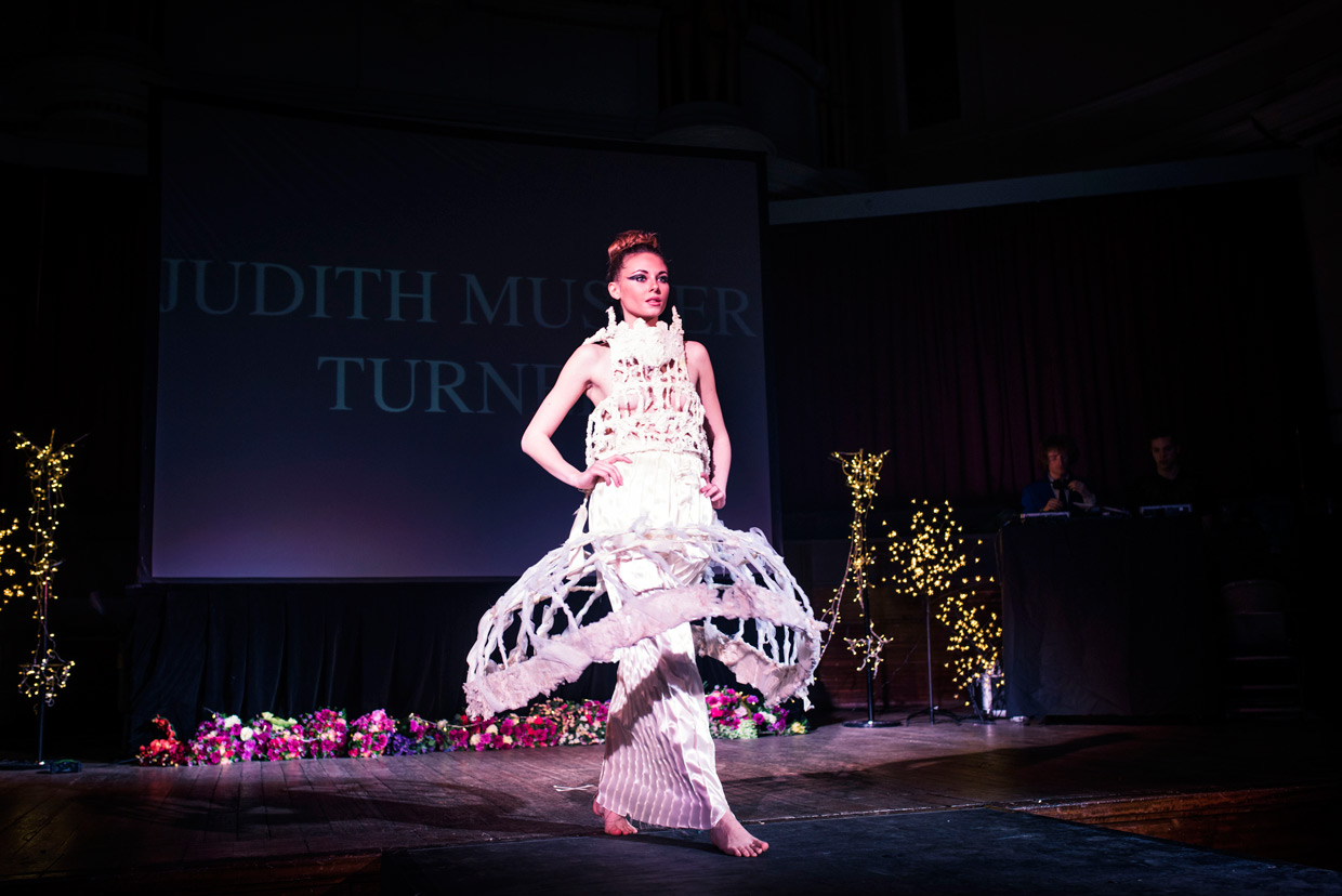 hjorthmedh-cambridge-university-fashion-show-16