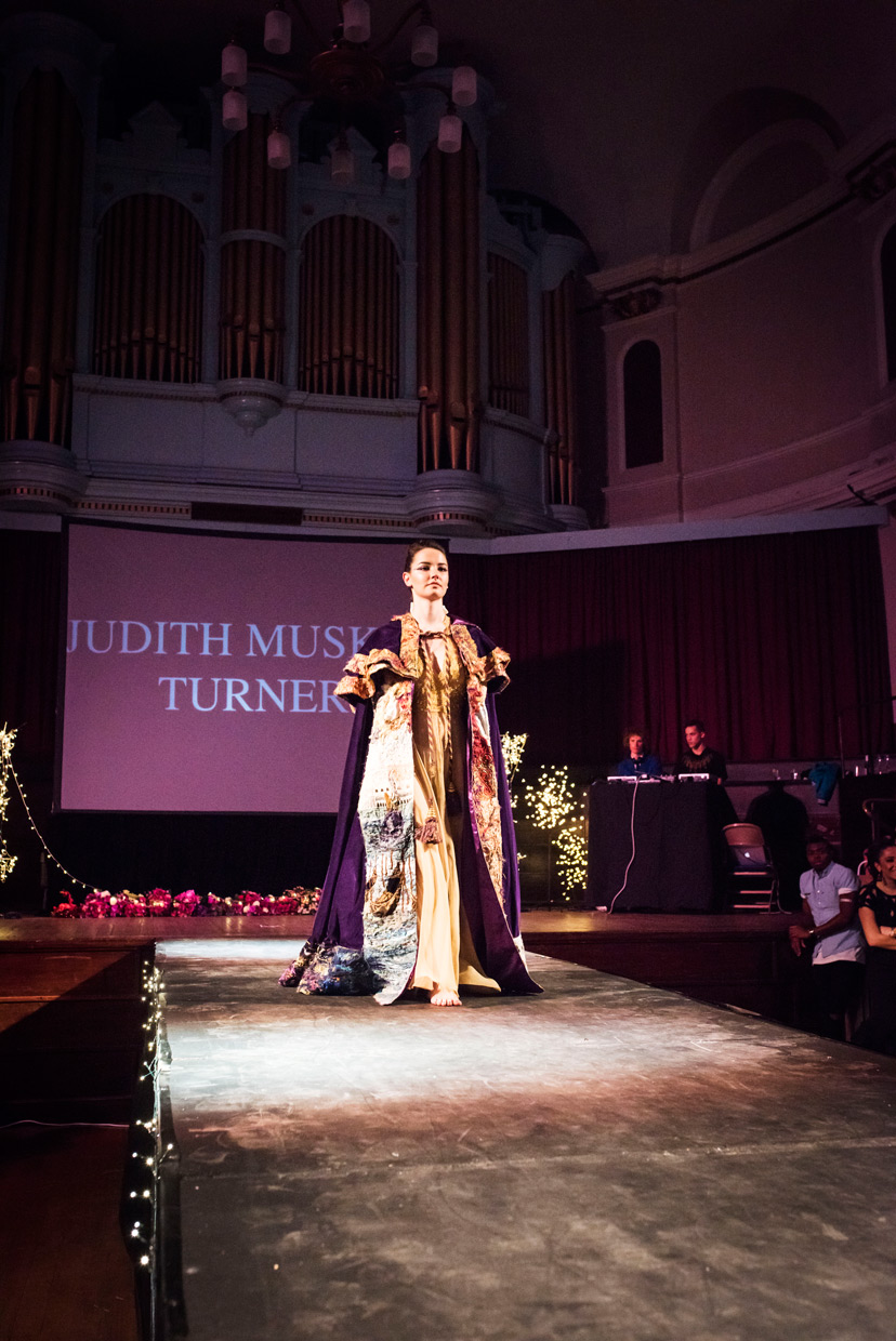 hjorthmedh-cambridge-university-fashion-show-22