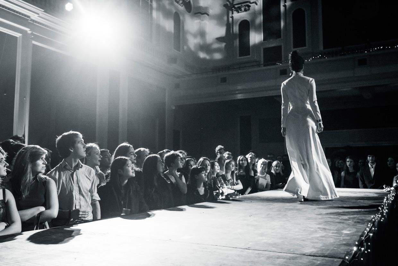 hjorthmedh-cambridge-university-fashion-show-32