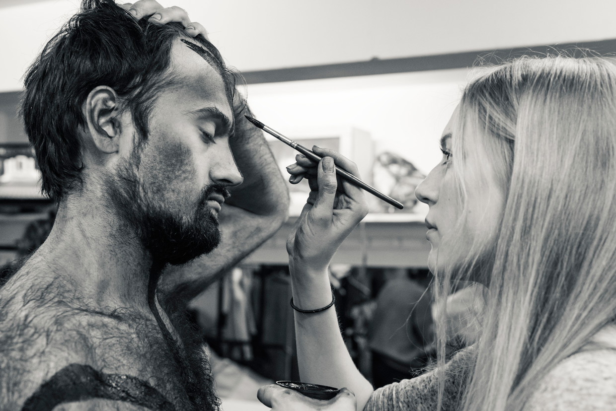 hjorthmedh-equus-behind-the-scenes-face-painting-2