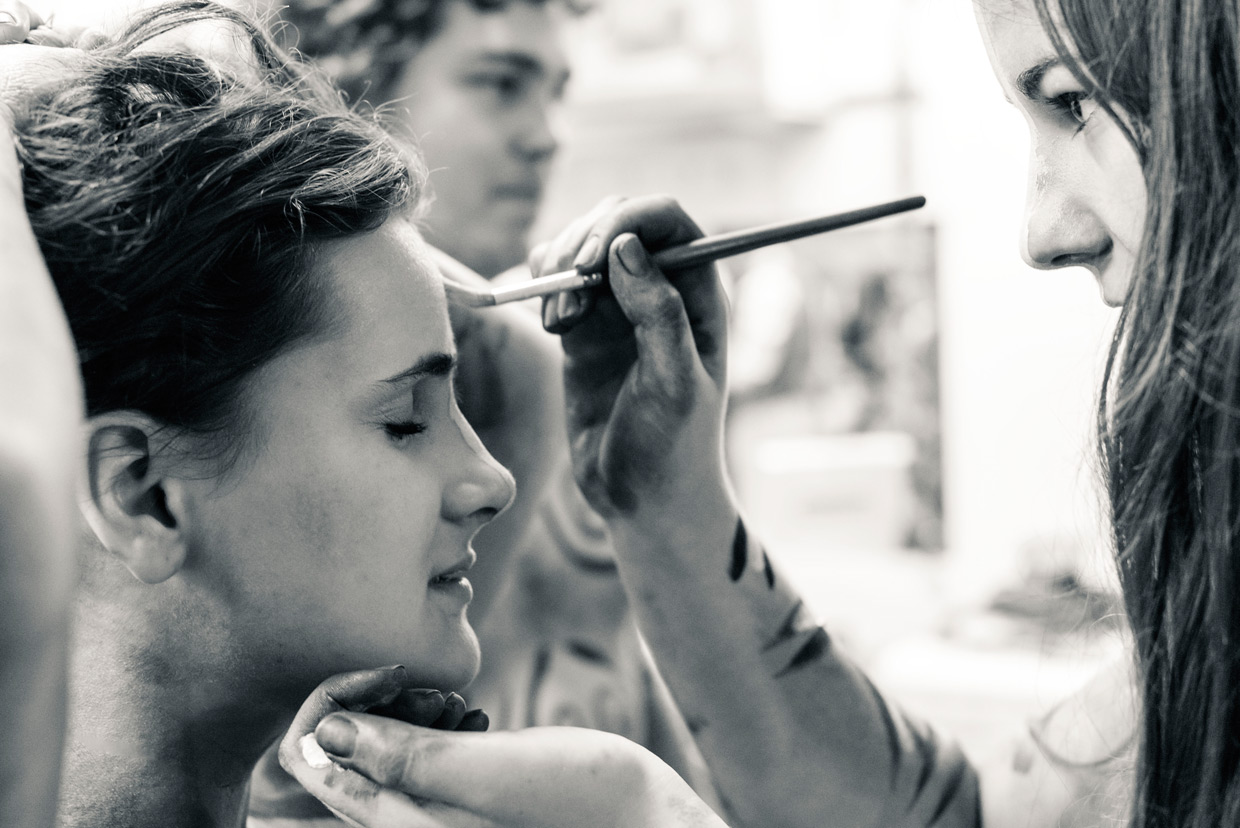 hjorthmedh-equus-behind-the-scenes-face-painting
