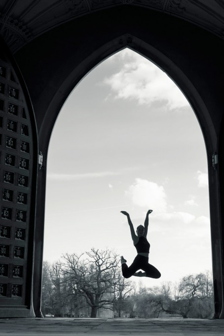 hjorthmedh-concrete-ballet-tania-jump