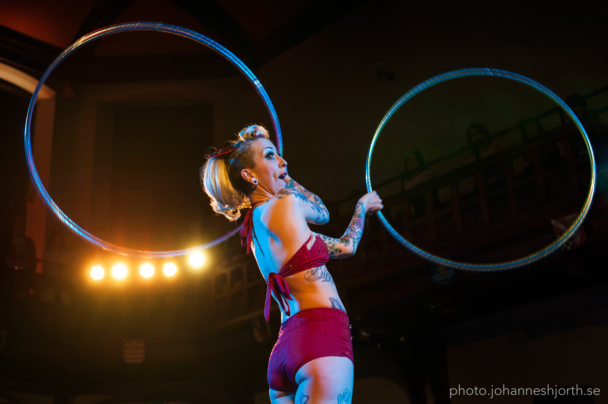 Chi Chi Revolver with hula hoops