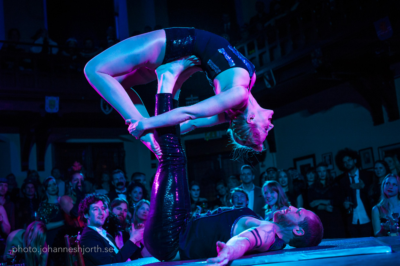 Acrobalance, Rachel balancing on her back on Steve's feet