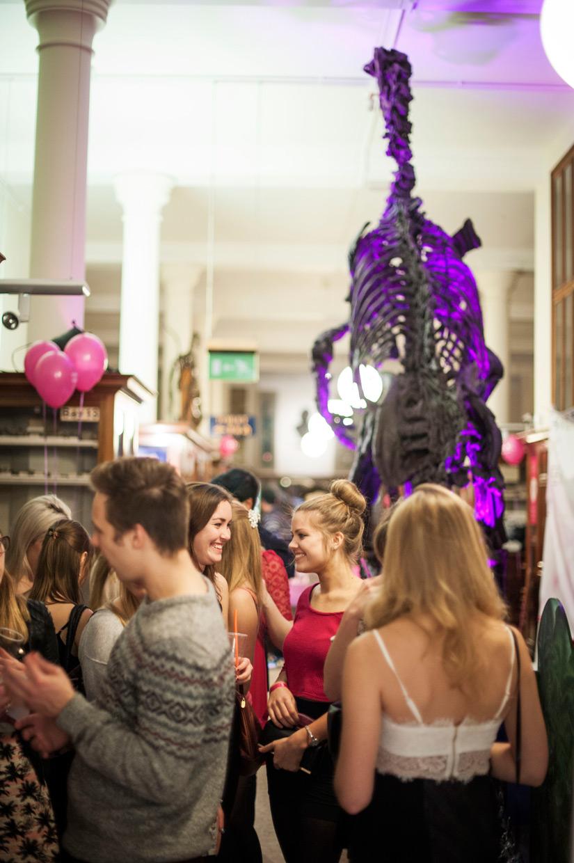 hjorthmedh-pink-museum-night-13