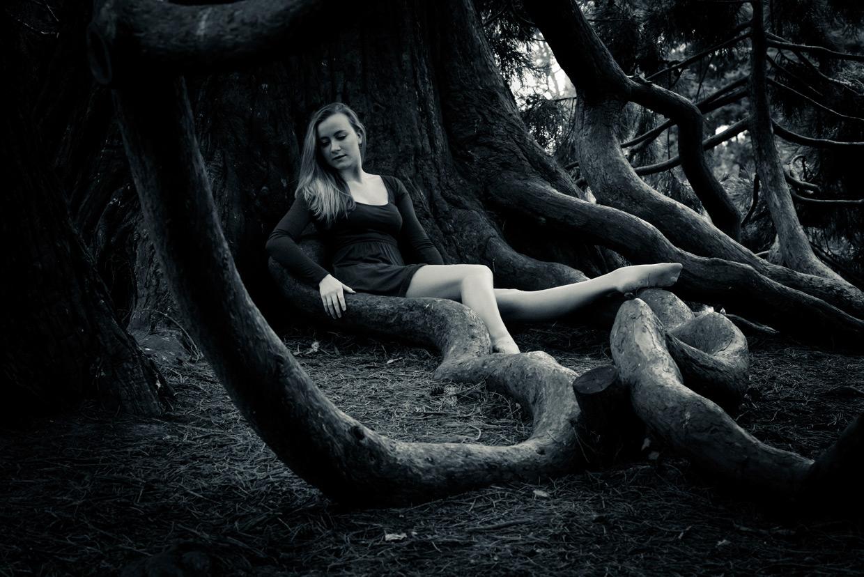 hjorthmedh-poetry-in-botanic-garden-rebekah-mirion-clayton-roots