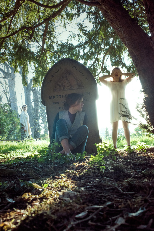hjorthmed-the-turn-of-the-screw-cemetery-hide-and-seek-2