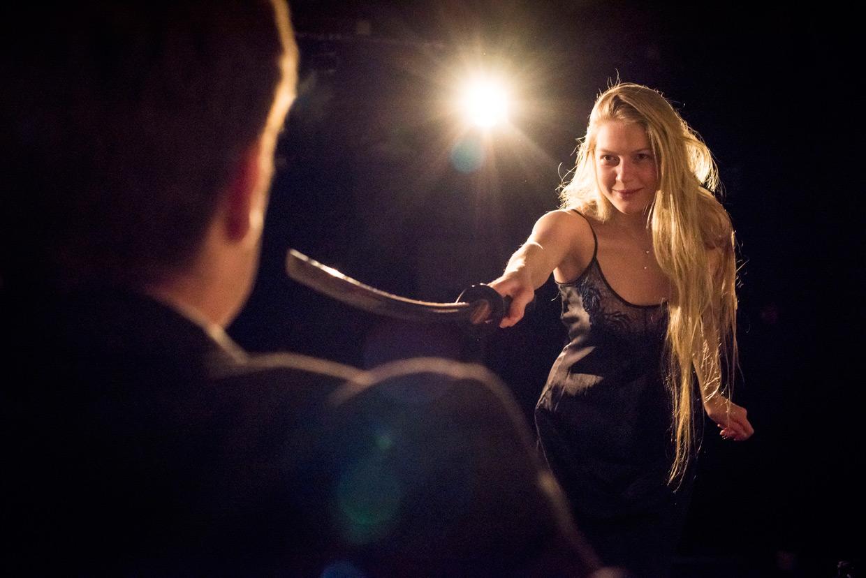 hjorthmedh-a-severed-head-dress-rehearsal-2